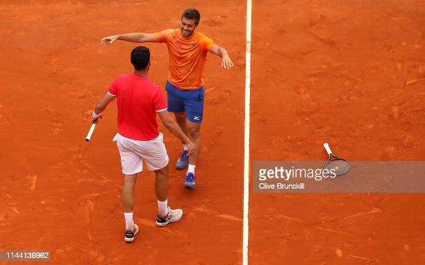 Nikola Mektic and Franko Skugor of Croatia celebrate match point against Wesley Koolhof and Robin Haase of the Netherlands in the men's doubles final...