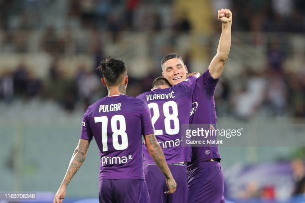Nikola Milenkovic of ACF Fiorentina celebrates with teammates after scoring a goal during the Serie A match between ACF Fiorentina and SSC Napoli at...