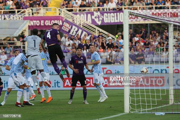 Nikola Milenkovic of ACF Fiorentina scores a goal during the Serie A match between ACF Fiorentina and SPAL at Stadio Artemio Franchi on September 22...