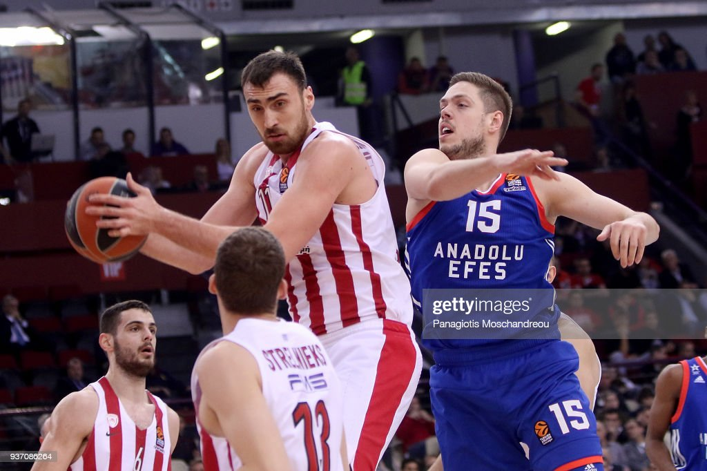 Olympiacos Piraeus v Anadolu Efes istanbul - Turkish Airlines EuroLeague