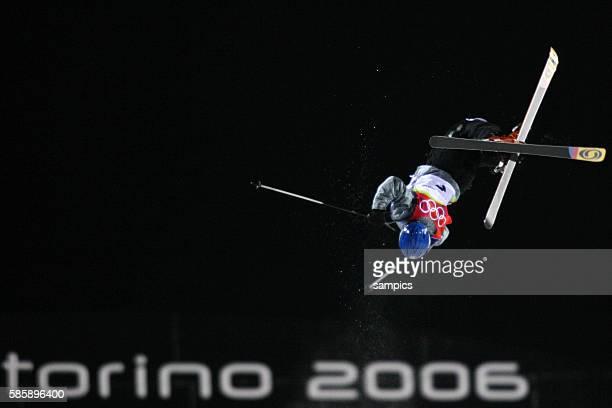 Nikola Sukova CZE Freestyle Frauen Huckelpiste Mugels 11 2 2006 olympische Winterspiele in Turin 2006 olympic winter games in torino 2006
