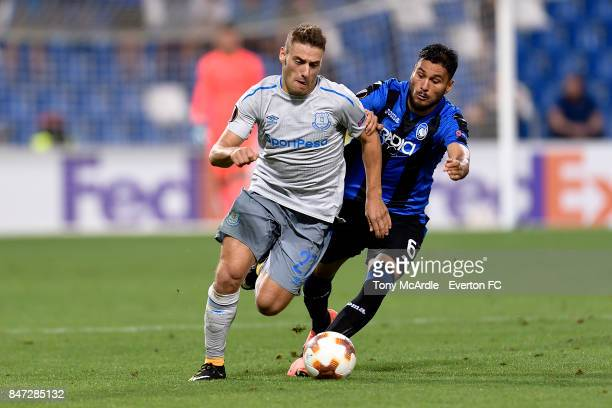 Nikola Vlasic of Everton and Luis Palomino during the UEFA Europa League Group E match between Atalanta and Everton at Mapei Stadium on September 14...