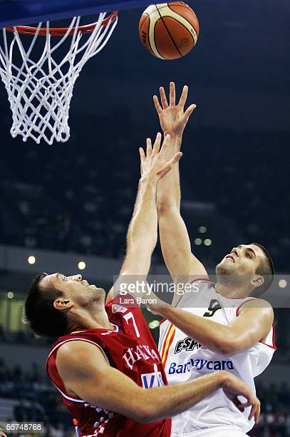 Nikola Vujcic from Croatia clashes with Felipe Reyes from Spain during the FIBA EuroBasket 2005 quarter final match between Spain and Croatia on...