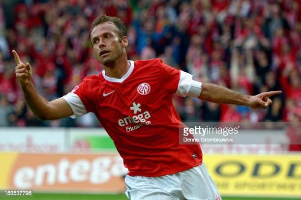 Nikolce Noveski of Mainz celebrates after scoring his team's first goal during the Bundesliga match between 1 FSV Mainz 05 and Fortuna Duesseldorf at...