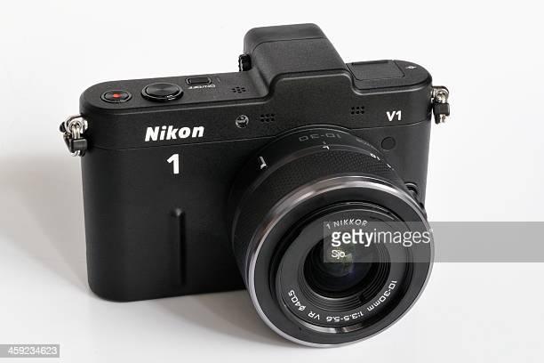 Nikon V1