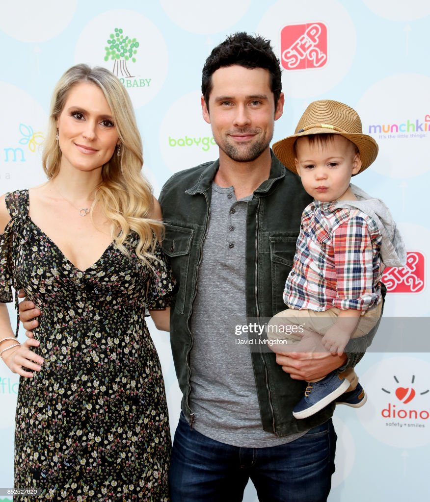 6th Annual Celebrity Red CARpet Safety Awareness Event - Arrivals : News Photo