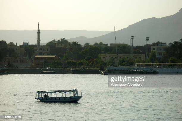 nile river in luxor, egypt - north africa stock pictures, royalty-free photos & images