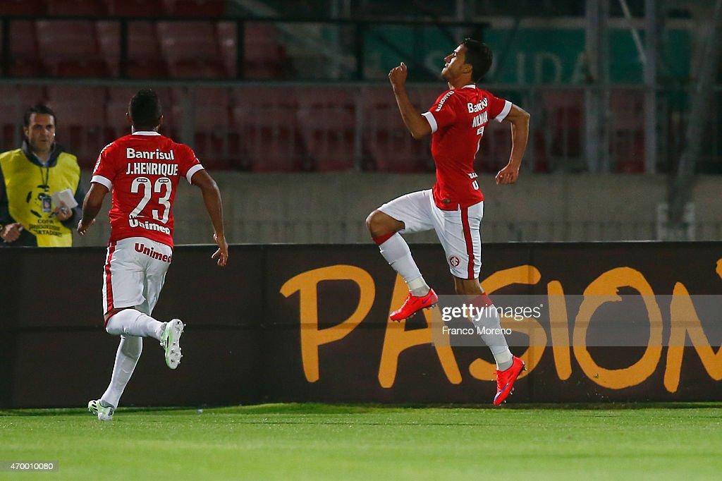 U de Chile v Internacional - Copa Bridgestone Libertadores 2015
