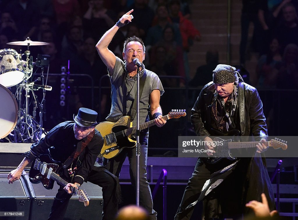 Bruce Springsteen In Concert - New York, New York : News Photo