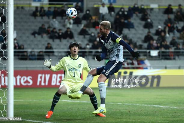Nils Ola Toivonen of Melbourne Victory in action during the AFC Champions League Group E match between FC Seoul and Melbourne Victory at the Seoul...