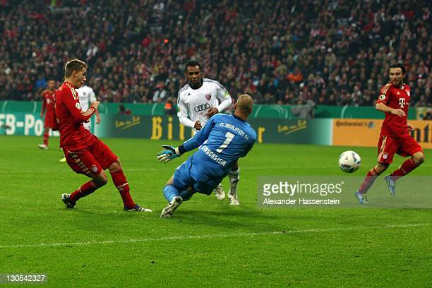 Nils Petersen of Muenchen scores the 4th team goal during the DFB Cup second round match between FC Bayern Muenchen and FC Ingolstadt at Allianz...