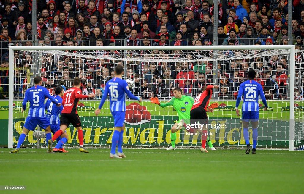 SC Freiburg v Hertha BSC - Bundesliga : Nachrichtenfoto