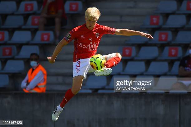 Nimes' Norwegian defender Birger Meling controls the ball during the French L1 football match between Nimes Olympique and Stade Brestois 29 on August...