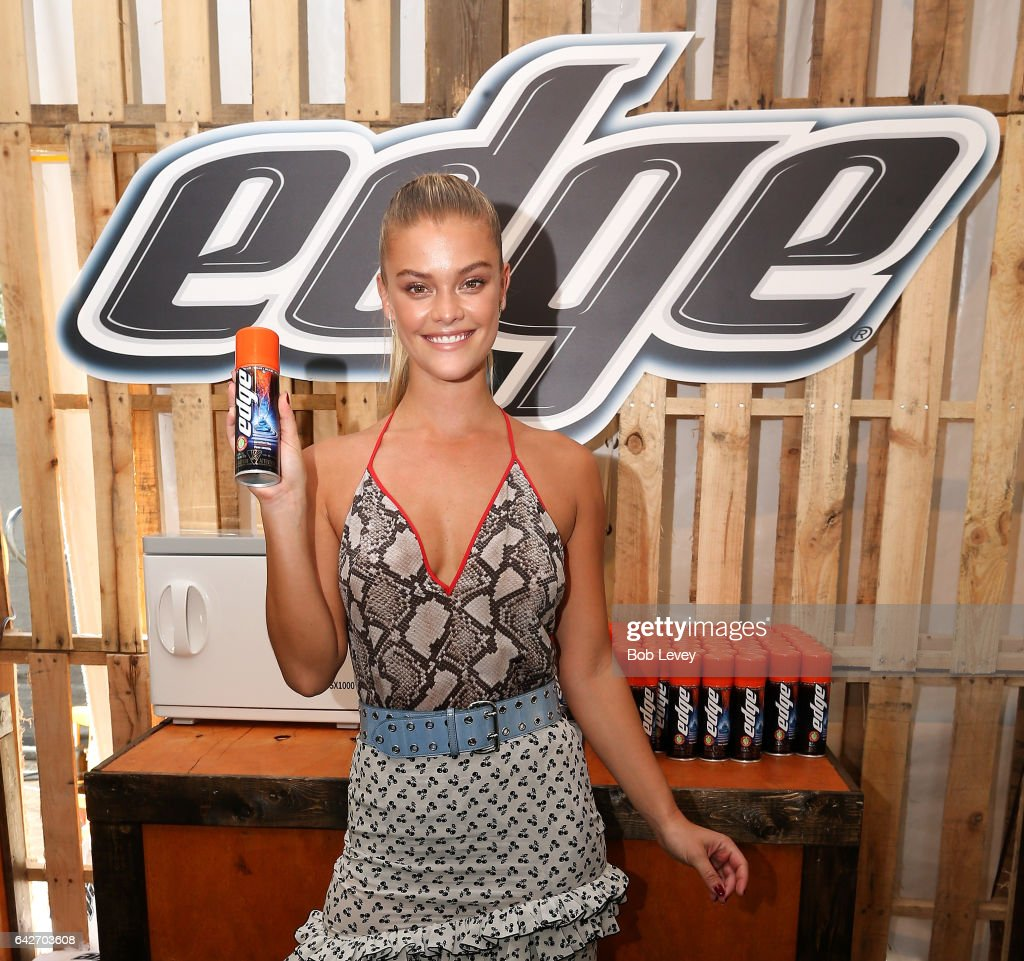 Model Nina Agdal Teams Up with Edge Shave Gel at the 2017 Sports Illustrated Swimsuit Vibes Festival in Houston : News Photo