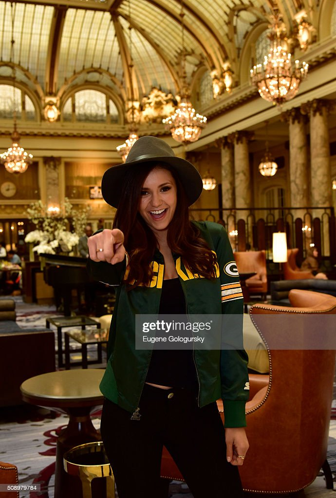 Nina Dobrev Wears Starter Jacket As She Heads To The Big Game : ニュース写真