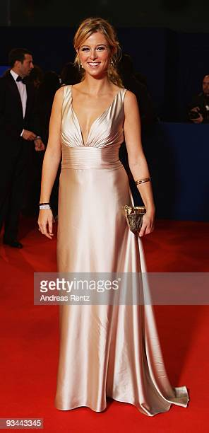 Nina Eichinger arrives to the Bambi Awards 2009 at the Metropolis Hall at the Filmpark Babelsberg on November 26 2009 in Potsdam Germany