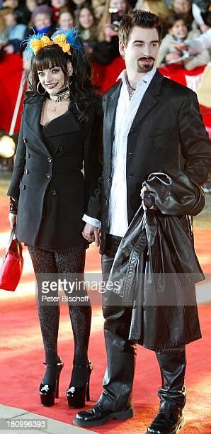 """Nina Hagen, Lebensgefährte Rocco Alexander Breinholm, Verleihung der """"Goldenen Kamera"""" 2003, Berlin, Deutschland, Europa, , """"Konzerthaus am..."""