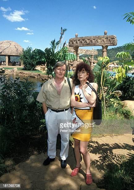 Nina Hoger Manfred Zapatka PRO 7 Serie Glueckliche Reise Folge 18 Sun City The Lost City/SüdAfrika Südafrika Episode 2 Ein Toter auf Reisen...
