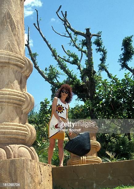 Nina Hoger PRO 7 Serie Glueckliche Reise Folge 18 Sun City The Lost City/SüdAfrika Südafrika Episode 2 Ein Toter auf Reisen Freizeitparadies Tal der...