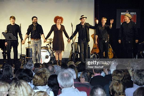 Nina Hoger Robert Stadlober Musiker Rilke Projekt Live Band davor Publikum LiveGala Das Rilke Projekt bei Kunst und Filmbiennale Worpswede MusicHall...