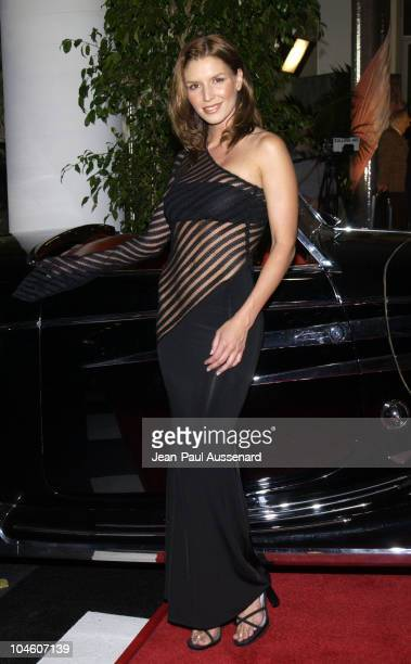 Nina Kaczorowski wearing a Richard Bowman lace dress