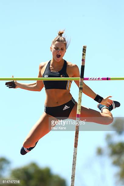 Nina Kennedy of Western Australia competes in the Women's Pole Vault u20 event during the Australian Junior Athletics Championships at the WA...