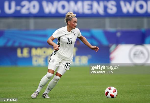 Nina Lange of Germany controles the ball during the FIFA U20 Women's World Cup France 2018 group D match between Germany and Haiti at Stade de la...