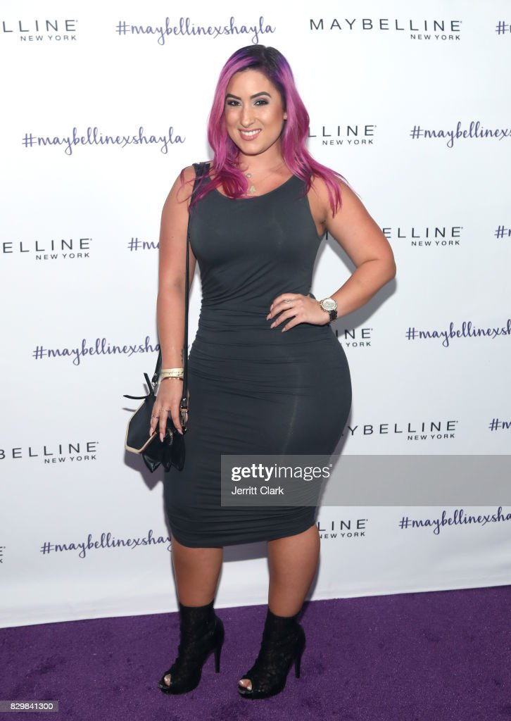 Nina of Nina's Makeup attends Maybelline's Los Angeles Influencer Launch Event at 1OAK on August 10, 2017 in West Hollywood, California.