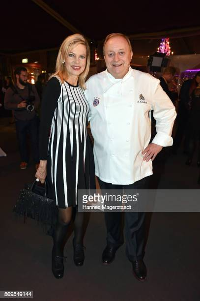 Nina Ruge and Alfons Schuhbeck during the 'Fantasia' VIP premiere of Schubecks Teatro at Spiegelzelt on November 2 2017 in Munich Germany