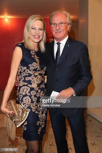 Nina Ruge and Dr Wolfgang Reitzle at the opera premiere of Die tote Stadt by Erich Wolfgang Korngold at Bayerische Staatsoper on November 18 2019 in...