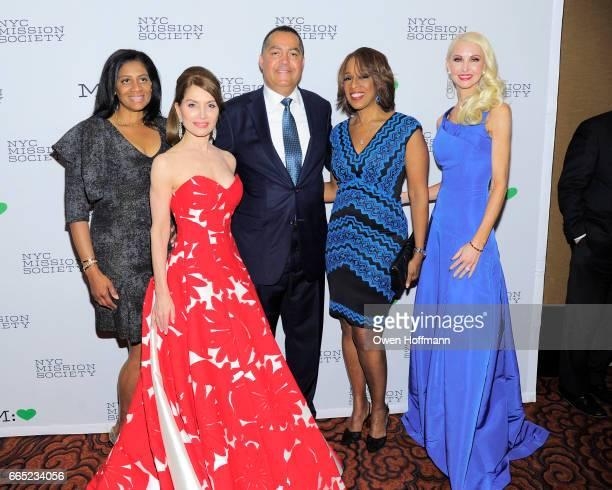 Nina Wittington Cooper Jean Shafiroff Don Peebles Gayle King and Katrina Peebles attend 2017 Champion For Children Gala at Mandarin Oriental on April...