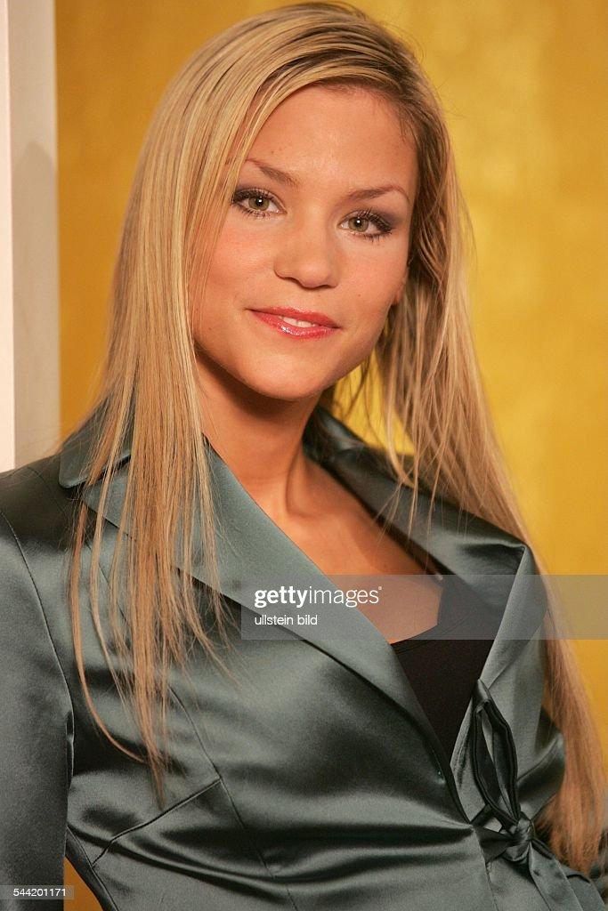 Nina-Friederike Gnaedig - Schauspielerin, D : News Photo