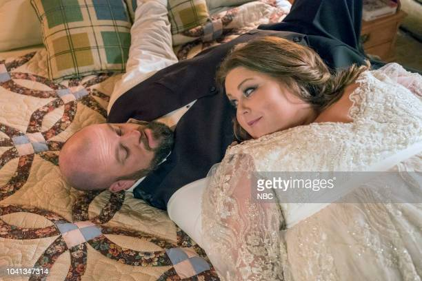 US Nine Bucks Episode 301 Pictured Chris Sullivan as Toby Damon Chrissy Metz as Kate Pearson
