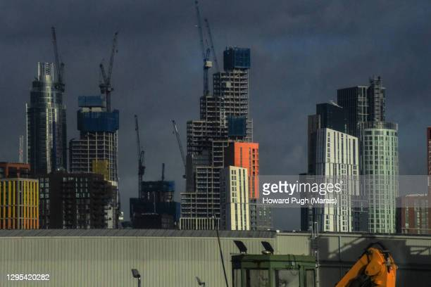 nine elms luxury apartment project - howard pugh stock pictures, royalty-free photos & images