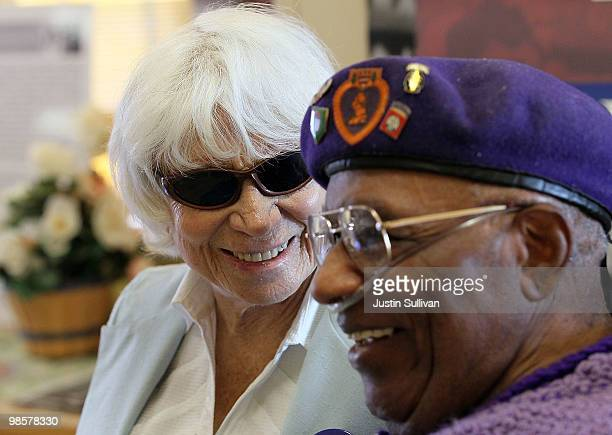 Ninety oneyearold Edith Shain meets with veteran Ralph E Gibson April 20 2010 in San Francisco California Shain who claims to be the nurse in the...