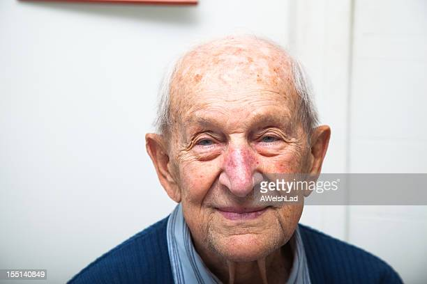 ninety year old senior male portrait - 80 89 years stock pictures, royalty-free photos & images