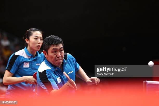 Ning Gao Singapore plays a shot in the Mixed Doubles Gold Medal Match between Liam Pitchford and TinTin Ho of England and Ning Gao and Mengyu Yu of...