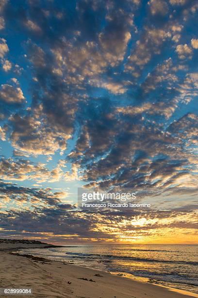 ningaloo sunset, australia - francesco riccardo iacomino australia foto e immagini stock