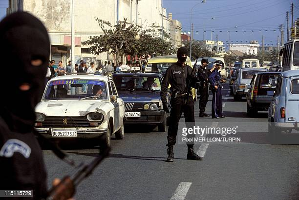 Ninja' antiterrorist unit in Algiers Algeria on October 28 1993 Control in 'La pointe pescade' area