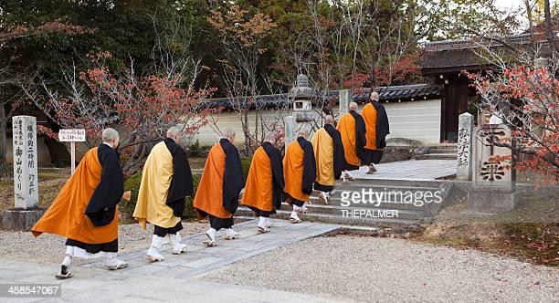 仁和寺の僧侶