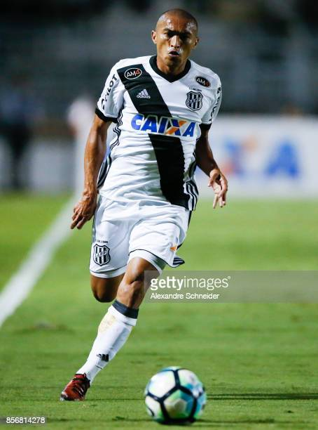 Nino Paraiba of Ponte Preta in action during the match between Ponte Preta and Flamengo for the Brasileirao Series A 2017 at Moises Lucarelli Stadium...