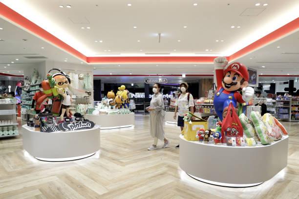JPN: Inside Nintendo Tokyo Store Ahead of Earnings Announcement