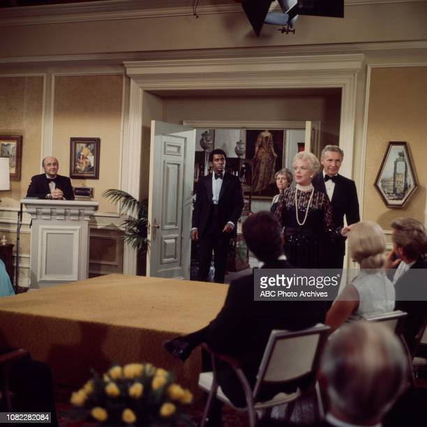 Nipsey Russell Natalie Schafer extras behind tje scenes making of the Walt Disney Television via Getty Images series 'Barefoot in the Park'