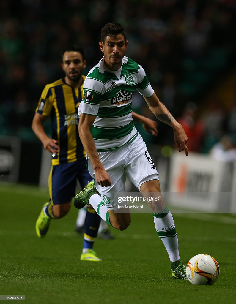 Nir Biton of Celtic controls the ball during the UEFA Europa League match between Celtic FC and Fenerbahce SK at Celtic Park on October 01, 2015 in Glasgow, Scotland.