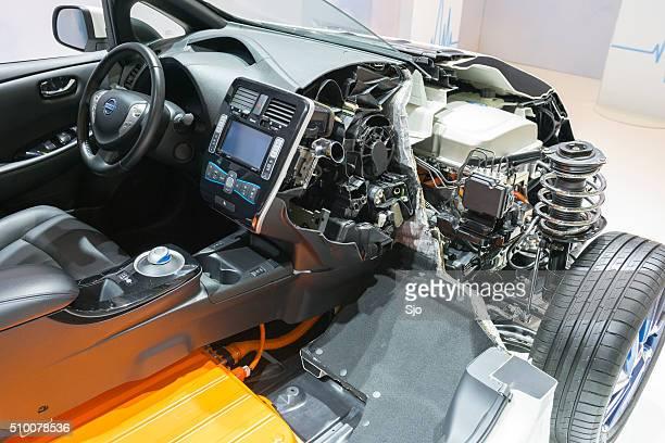 Nissan Blatt Elektrofahrzeug cross section
