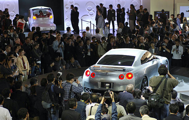 Nissan Motor Cos Concept Gt R Proto Coupe Right And Pivo