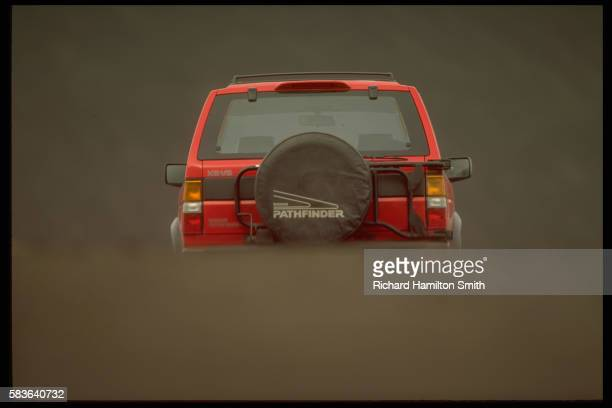 nissan pathfinder in cinder cone area - nissan stock pictures, royalty-free photos & images