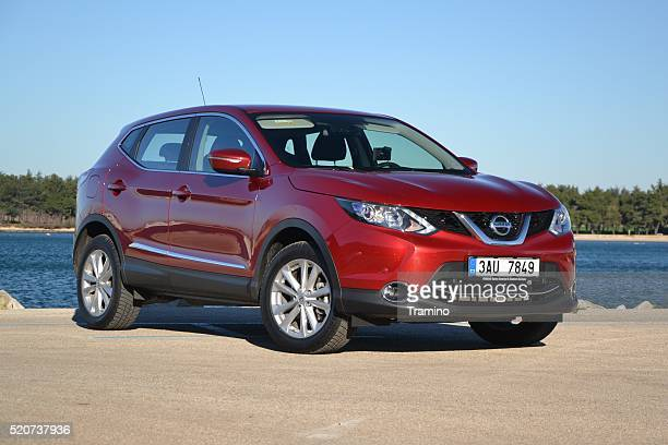 nissan qashqai - the most popular crossover in europe - nissan qashqai stock pictures, royalty-free photos & images