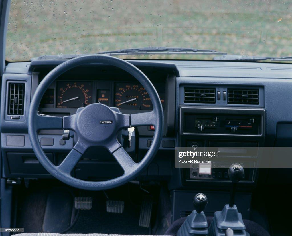 https://media.gettyimages.com/photos/nissan-terrano-en-france-le-15-novembre-1988-lors-dun-test-du-paris-picture-id162555850