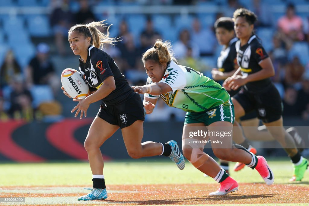 Nita Maynard of New Zealand runs with the ball during the 2017 Women's Rugby League World Cup match between New Zealand and Cook Islands at Southern Cross Group Stadium on November 19, 2017 in Sydney, Australia.